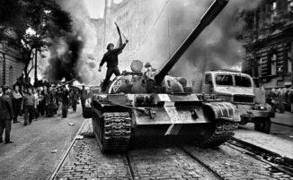 I giovani che vollero cambiare il mondo: i movimenti del Sessantotto in 33 immagini straordinarie