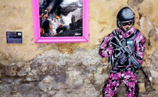 Opera di street art di Sirante contro la politica di Israele, in occasione del Giro d'Italia