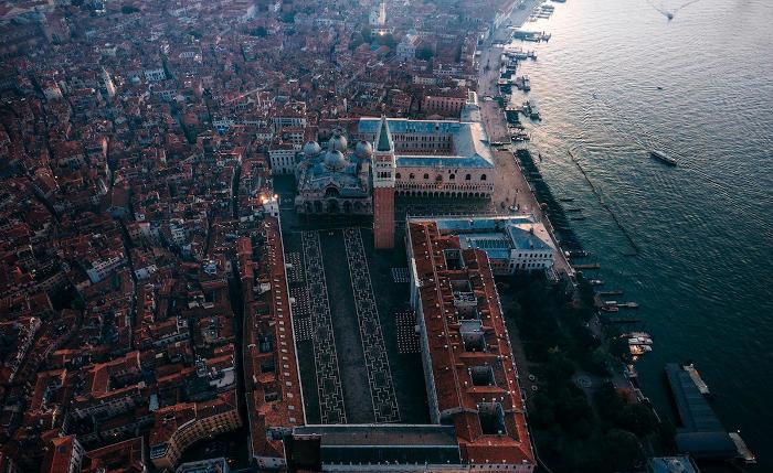 Bellissime foto aeree offrono una prospettiva unica di Venezia