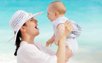 Mamme in vacanza: gli oggetti di cui non potrete fare a meno