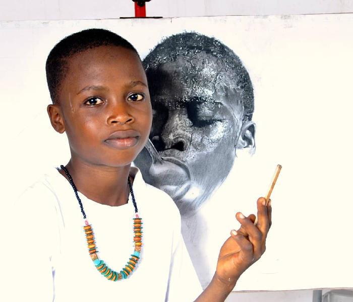 Artista di soli 11 anni sta guadagnando l'attenzione internazionale con i suoi incredibili disegni