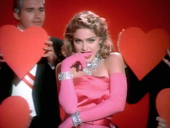 Cane Interpreta Foto Famose Madonna Maxdonna Vincent Flouret