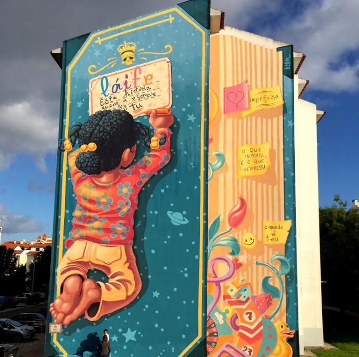 Il libro della vita: un nuovo bellissimo murale per le strade del Portogallo