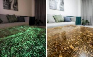 Tavoli in legno e resina, incisi con mappe di città che si illuminano al buio
