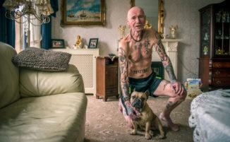 Questi anziani tatuati dimostrano che i tatuaggi non hanno età