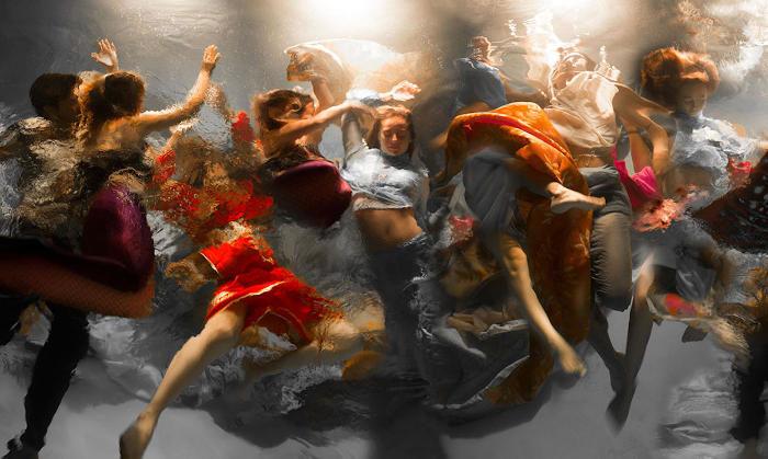 Fotografie subacquee evocano tutta la drammaticità ed il dinamismo dei dipinti barocchi