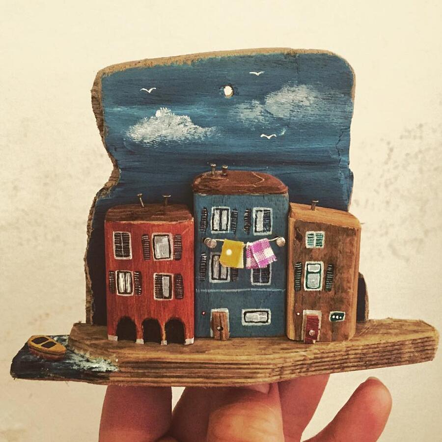 Piccole Case In Legno Riciclato Di Nika's Tiny House