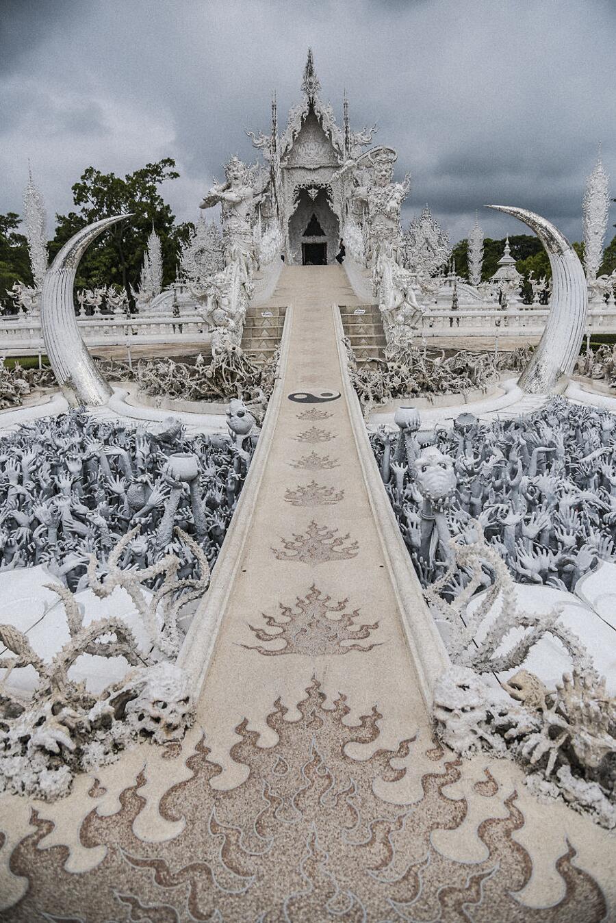 Tempio Bianco Thailandia Chalermchai Kositpipat