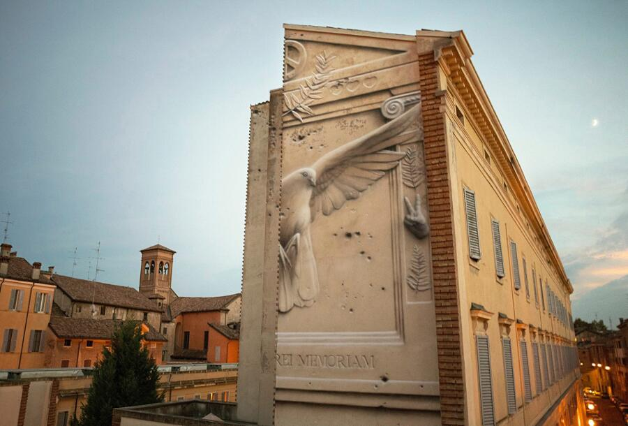 Murales Sembrano Bassorilievi Street Art Eron