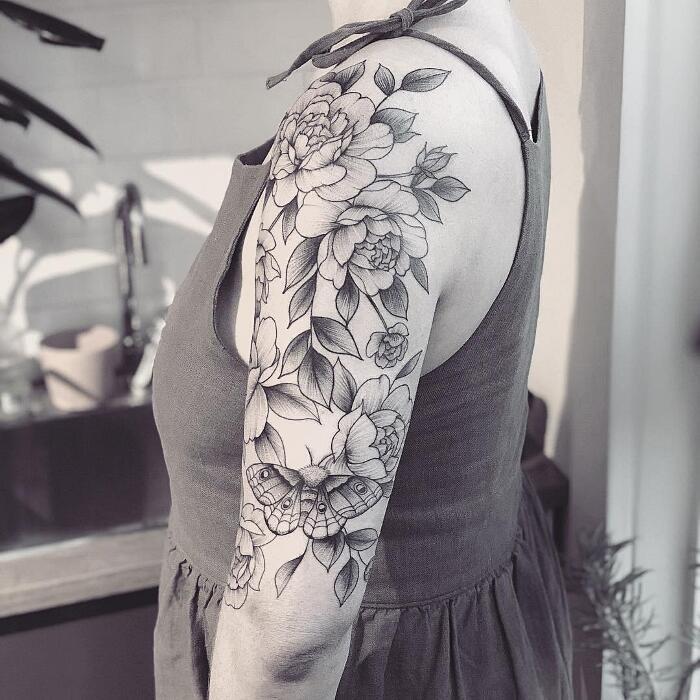 Tatuaggi Monocromatici Fiori Vanessa Dong