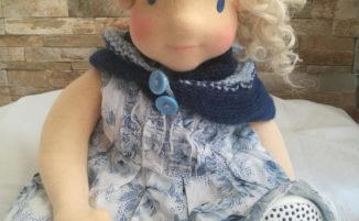 Bambole Waldorf, le bambole di altri tempi fatte in casa con materiali di recupero