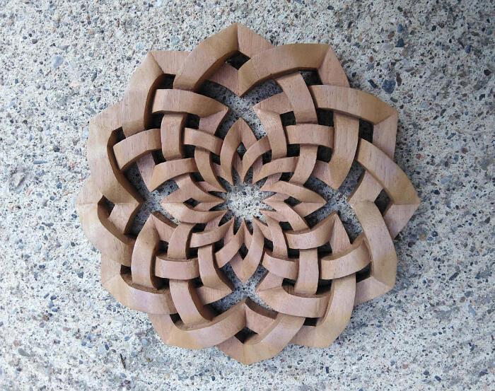 Gioielli e pendenti in legno - Ceresio Wood Carving