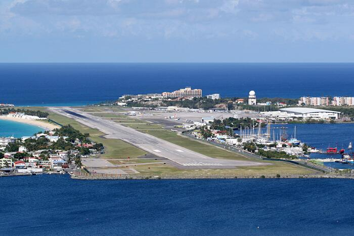 Aeroporti Più Belli Del Mondo Aeroporto Internazionale Principessa Giuliana Saint Martin