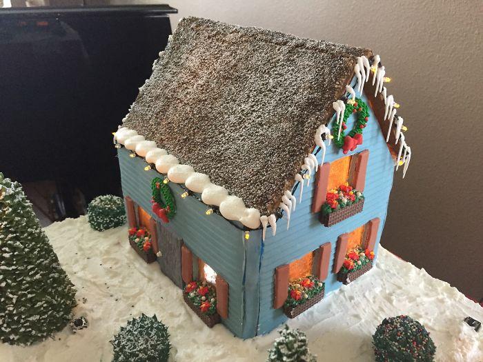 Villaggio di Natale fatto con il pan di zenzero