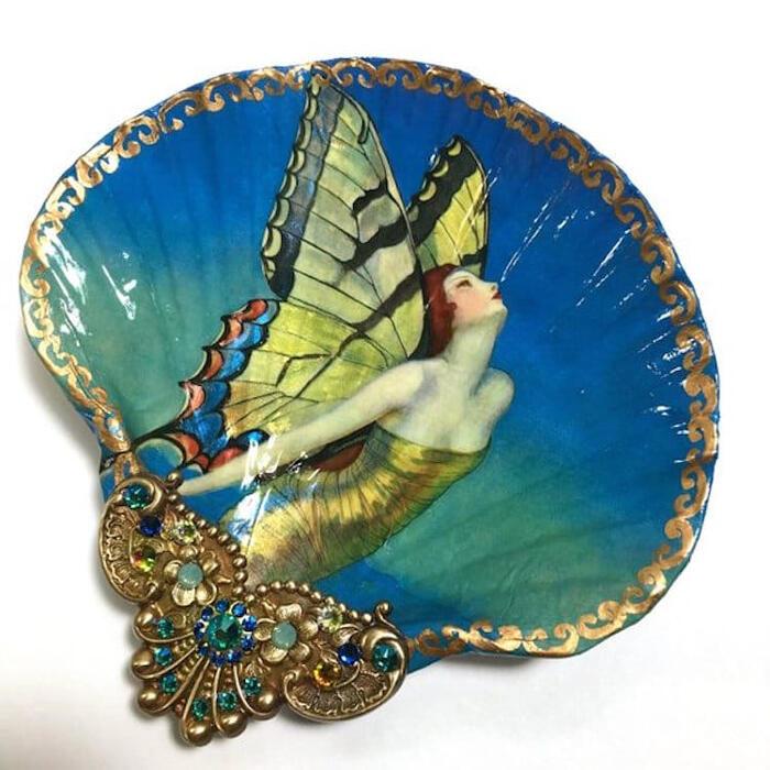 Artista trasforma conchiglie in mini opere d'arte di un tesoro sommerso