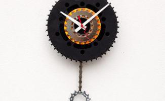 Orologi da parete fatti con oggetti riciclati