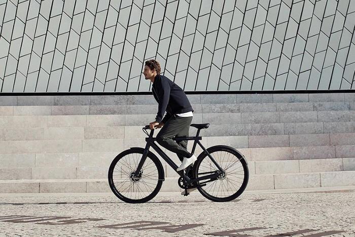 Azienda olandese di bici stampa una TV sui pacchi e riduce danni da spedizione dell'80%