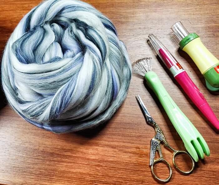 Gatti lana infeltrita fatti a mano, Stelmarya