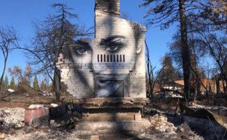 Artista trasforma le ceneri degli incendi della California in bellissimi murali