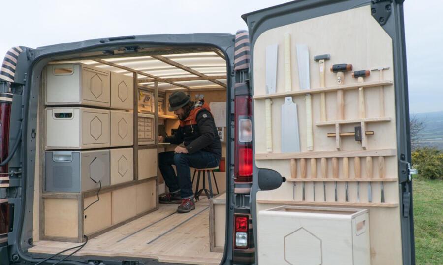 Furgone falegnameria mobile ad energia solare Nissan NV300