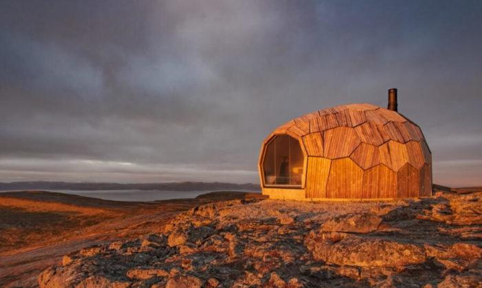 Questo chalet norvegese si monta come un puzzle 3D