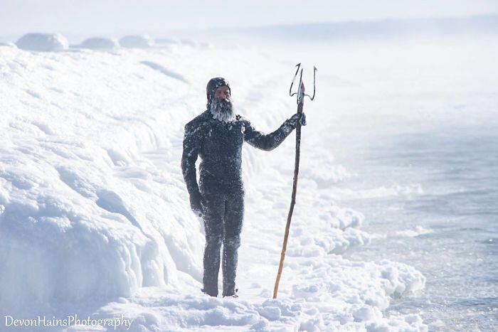 Fanno Surf Con Vortice Polare Michigan Devon Hains