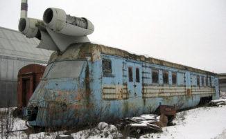 Questo treno sovietico ad alta velocità poteva viaggiare a 260 km/h e ora è abbandonato
