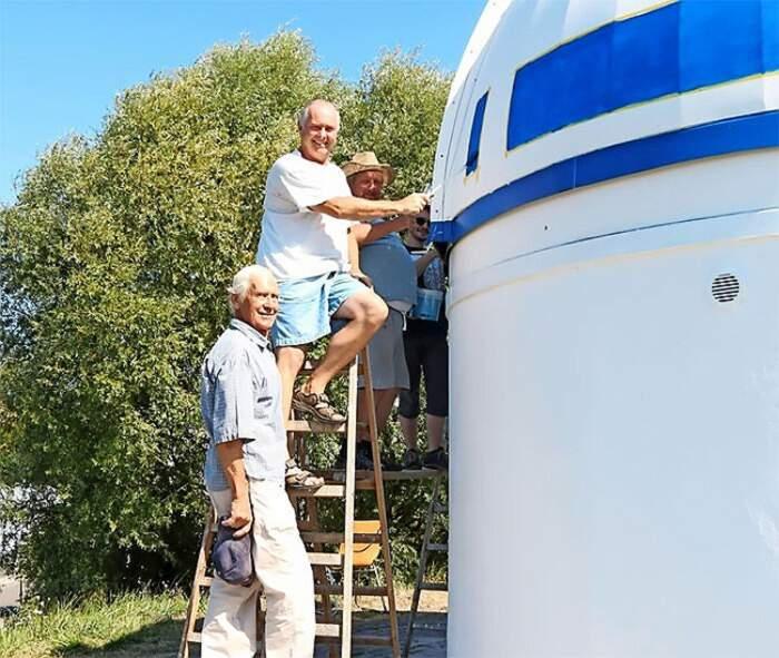 Un professore fan di Star Wars ha pitturato un osservatorio come R2-D2