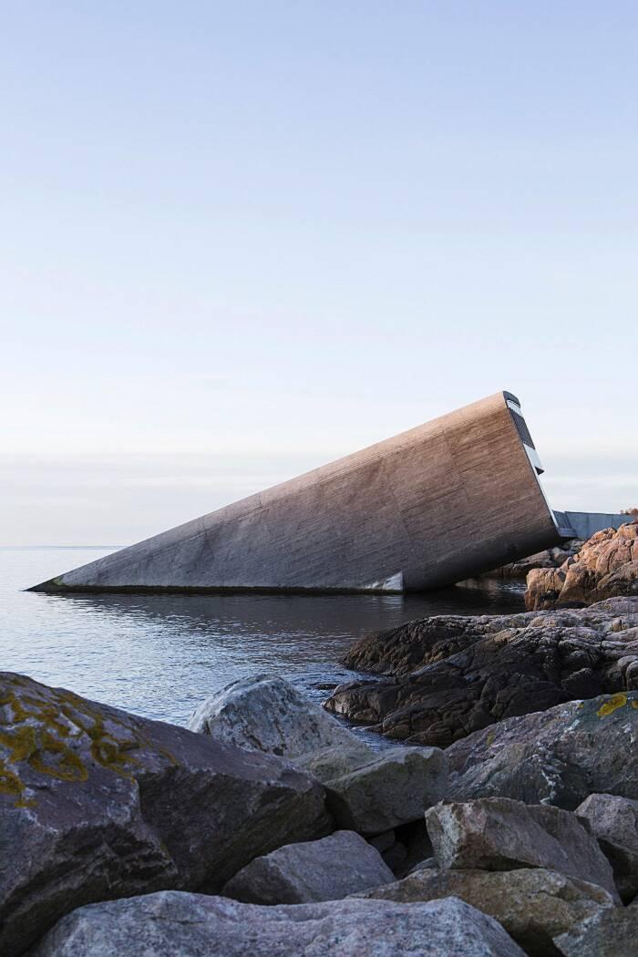 Ristorante sott'acqua in Norvegia, Under