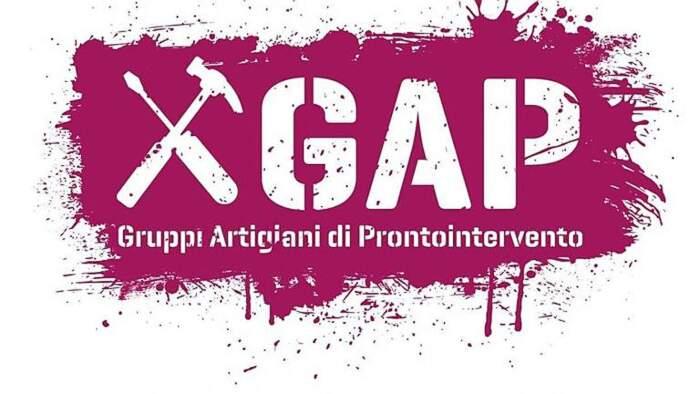 A Roma un gruppo segreto di nome GAP ripara le buche illegalmente