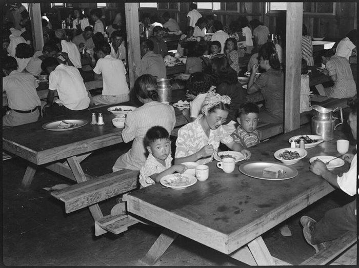 30 foto censurate dei campi di concentramento giapponesi negli Stati Uniti