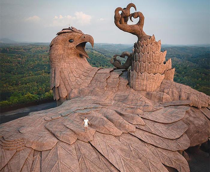 In India si trova la più grande scultura di un uccello al mondo