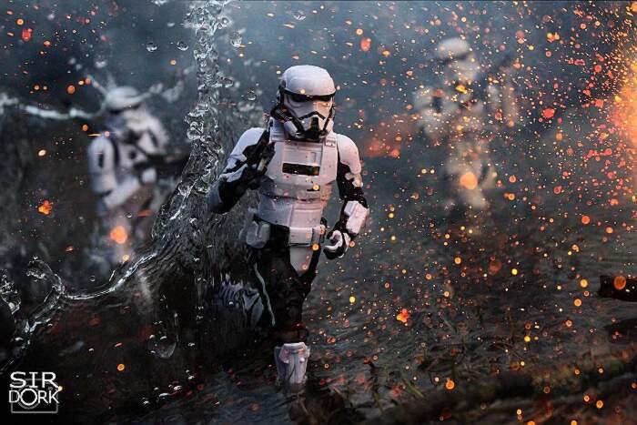 Foto di giocattoli così realistiche da sembrare scene di film