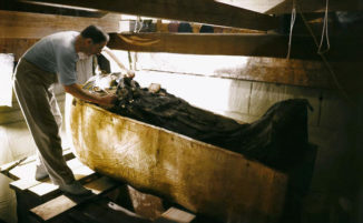 La scoperta della tomba di Tutankhamon in bellissime foto a colori