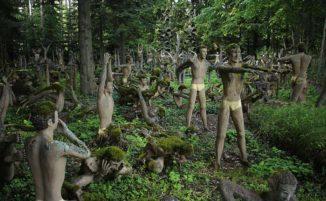 Veijo Rönkkönen, l'operaio finlandese che in 50 anni lasciò un bosco pieno di sculture