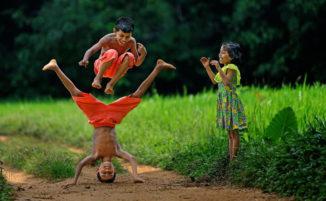 """50 bellissime immagini dal mondo raccontano il significato della parola """"divertimento"""""""
