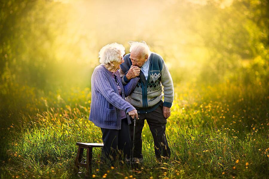 Foto Coppie Di Anziani Sujata Setia