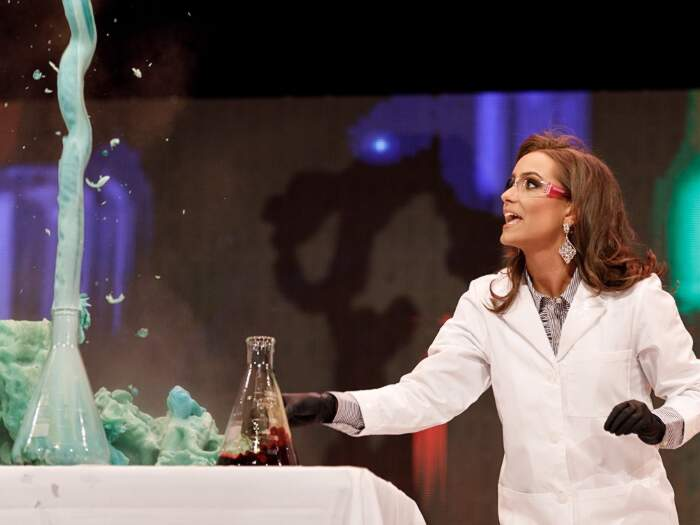Candidata a Miss Virginia fa un esperimento di chimica e vince, Camielle Schrier
