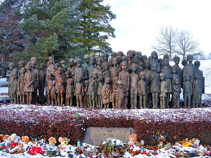 Statue di Bronzo In Memoria Di Bambini Uccisi Dai Nazisti Lidice