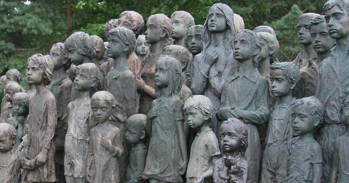 Un memoriale dedicato ad 82 bambini uccisi dai nazisti