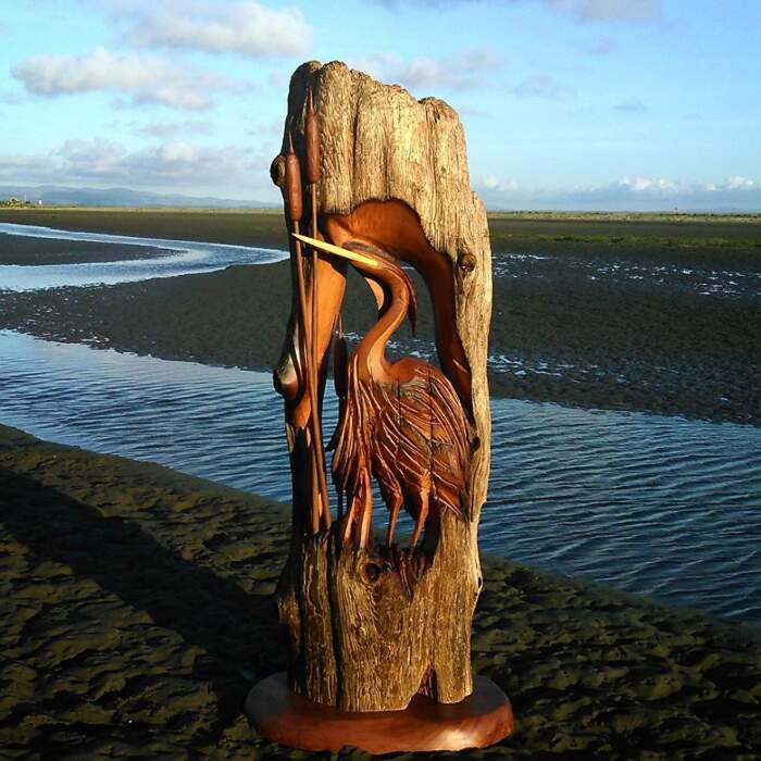 Bellissime sculture fatte con legno trovato in spiaggia, Jeffro Uitto