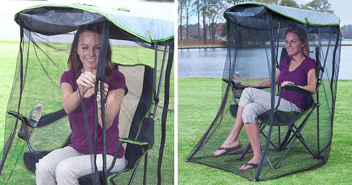 Una sedia portatile con zanzariera che ti protegge dagli insetti, ovviamente su Amazon