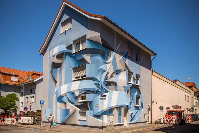 Lo street artist italiano Peeta crea forme astratte che confondono la mente