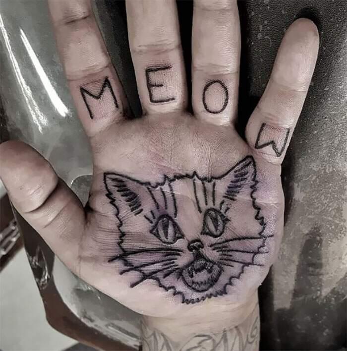 Tatuaggio palmo mano