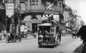 Come era la famosa Friedrichstraße di Berlino nel 1896, in un breve video d'epoca