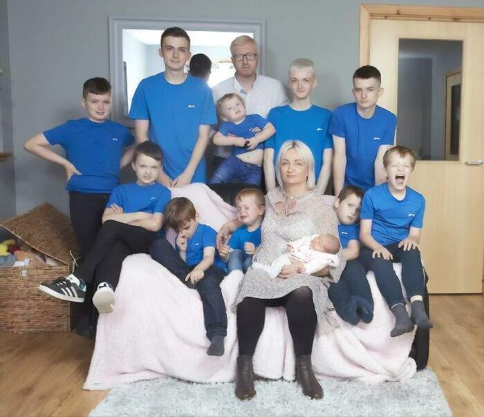 Mamma partorisce una femmina dopo 10 maschi consecutivi
