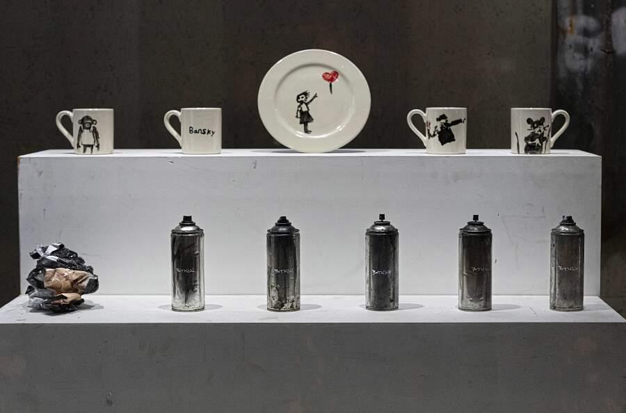 Gross Domestic Product: Banksy apre un negozio di articoli per la casa molto particolare
