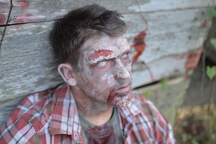 Foto halloween bambina zombie Tiffany Renfroe