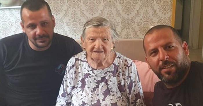 Idraulici arabi rifiutano soldi da una signora israeliana perché superstite dell'Olocausto