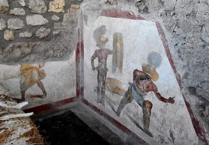 Pompei, nuova eccezionale scoperta: trovato l'affresco dei Gladiatori Combattenti